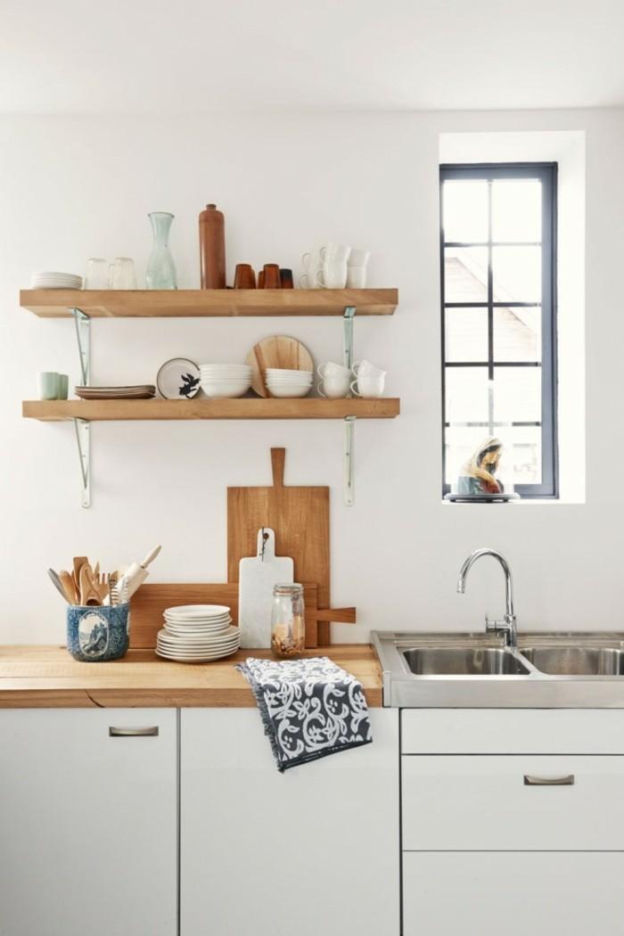 kleine küche einrichten offene wandregale holz geschirr ausstellen