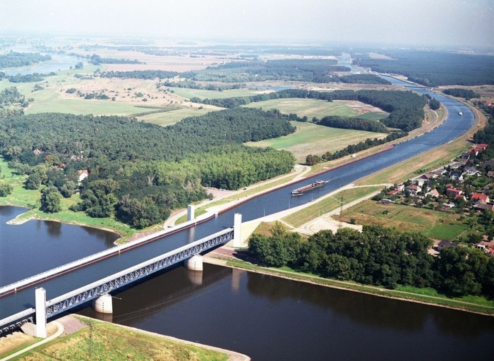 magdeburg wasserbruecke kanal