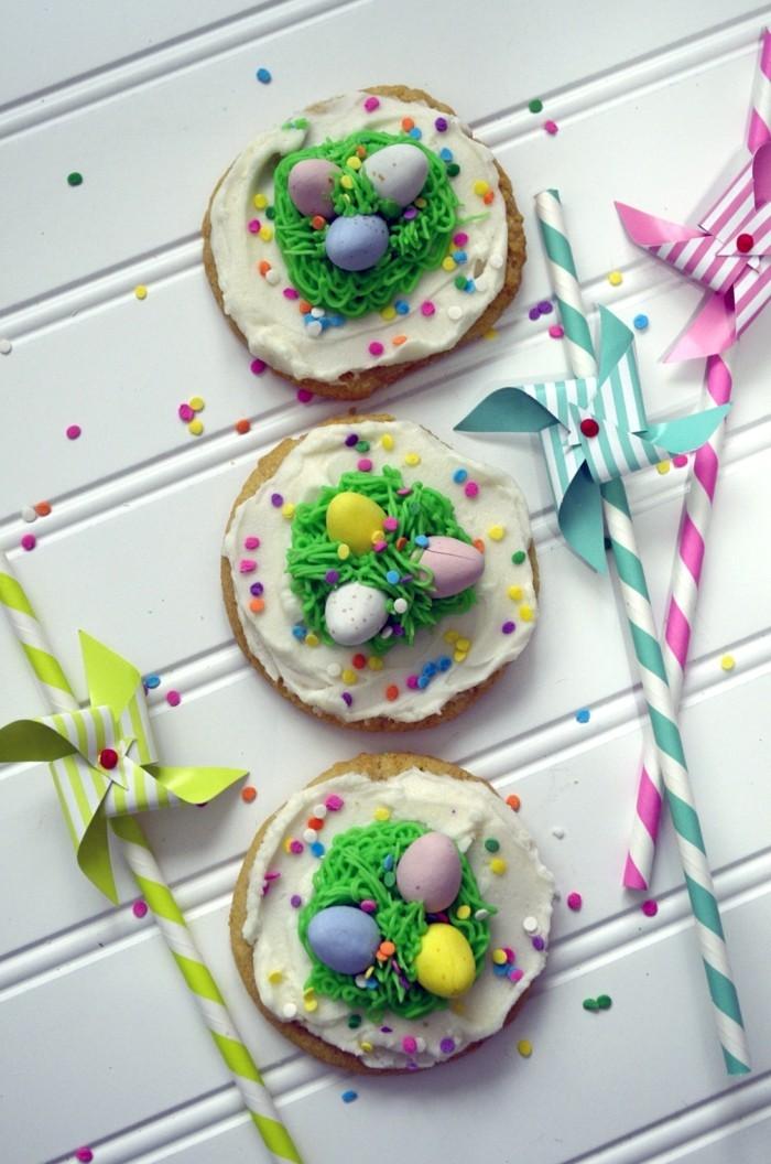 osterplätzchen backen farbige ideen kekse verzieren
