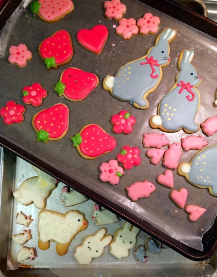 osterplätzchen backen kekse verzieren festliche stimmung