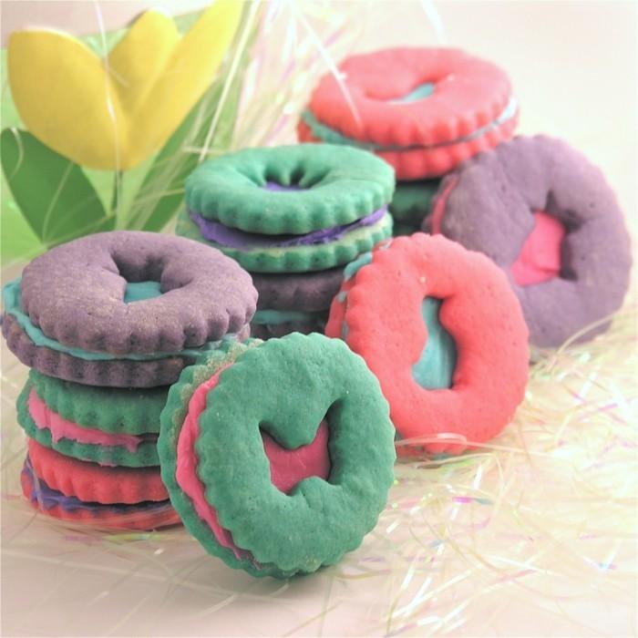 osterplätzchen backen kekse verzieren figuren farbig