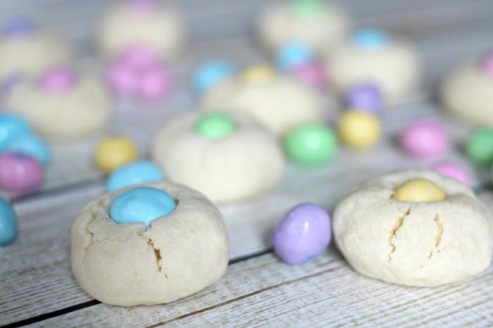 osterplätzchen backen kekse verzieren ostereier nest