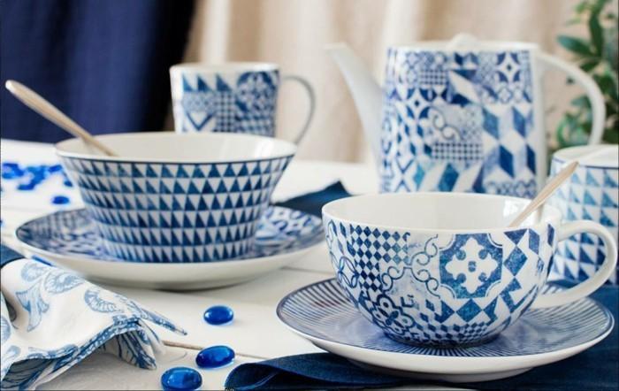 porzellan geschirr weiss blau schüssel tassen