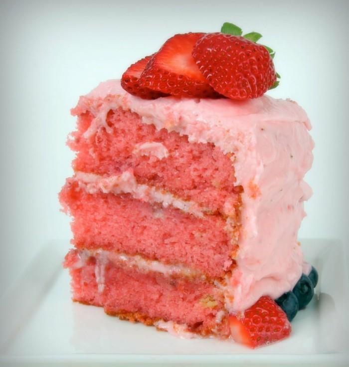 torte dekorieren erdbeeren farbig