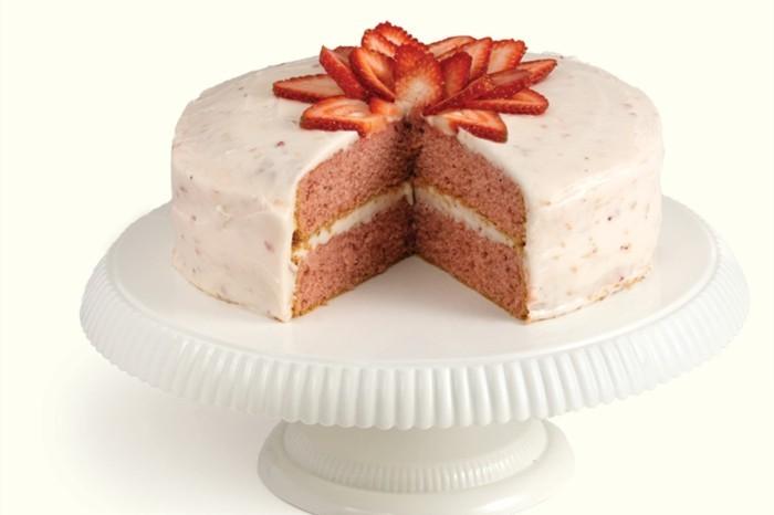 torte dekorieren ideen erdbeeren festlich