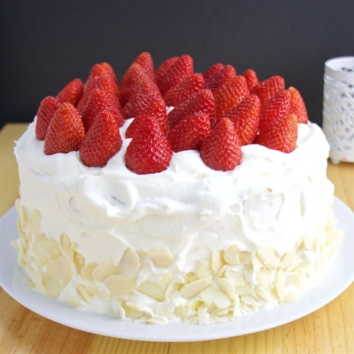 torte dekorieren vanille erdbeeren
