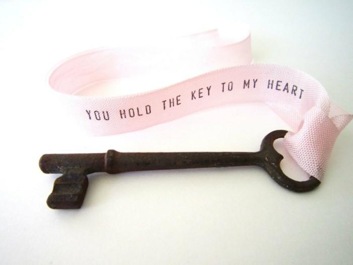 valentinstag geschenkideen geschenk für ihn schlüssel