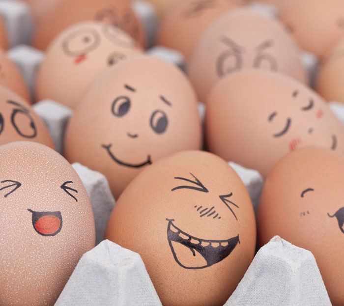 Eier Gesichter malen kreativ wettbewerb osetereier gestalten
