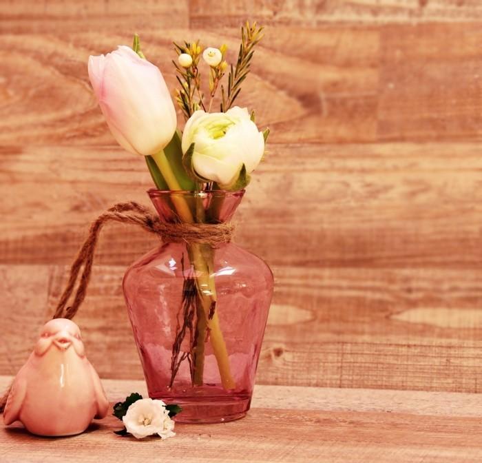 blumendekoration für ostern tulpen porzellan