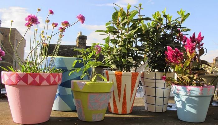 Blumentopf bemalen balkon und garten kreativ gestalten 30 for Blumentopf gestalten