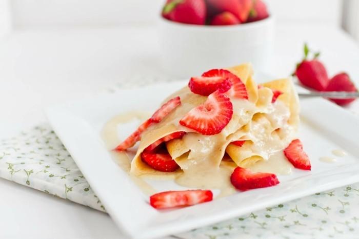 crepes erdbeeren sosse