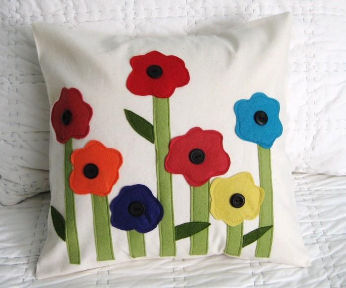 diy deko ideen aus stoff deko stoff dekorrieren mit filz stoff ideendeko kissen 2