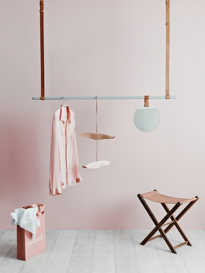 einrichtungstipps leder garderobe klappstuhl wandspiegel