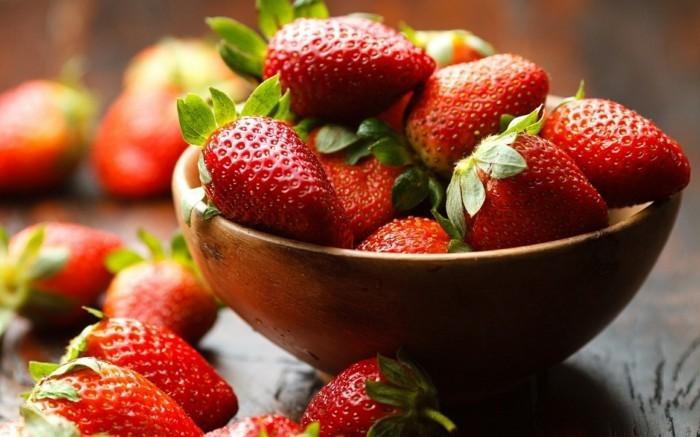 erdbeeren naehrwerte sorgen fuer unsere gesundheit