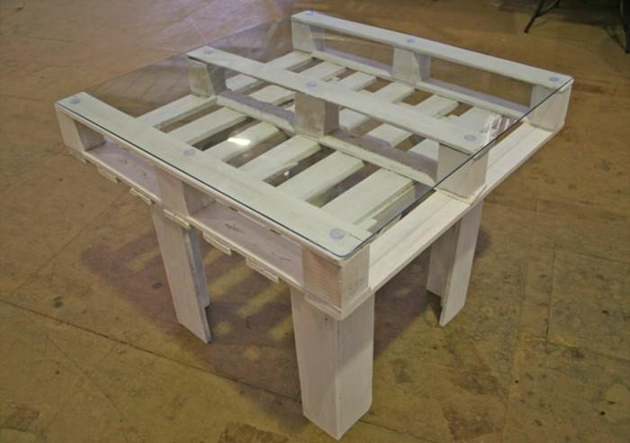 esstisch-aus-holz-selber-bauen-gartenmöbel-aus-paletten