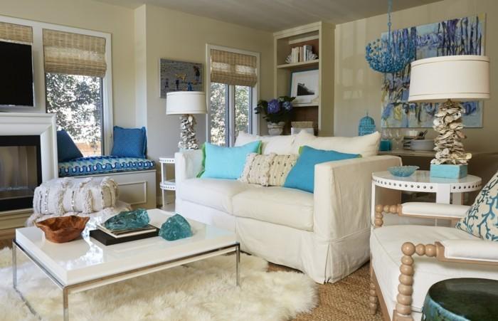 farbkombinationen weiße möbel und blaue akzente