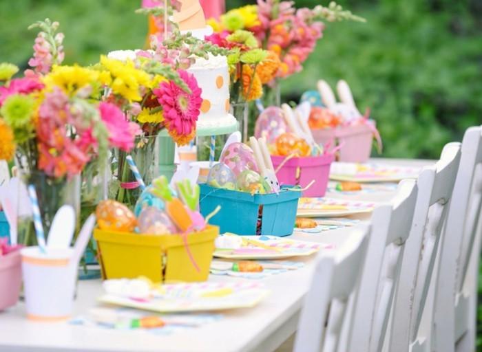 garten dekorieren ostern garten farbig frisch lustig