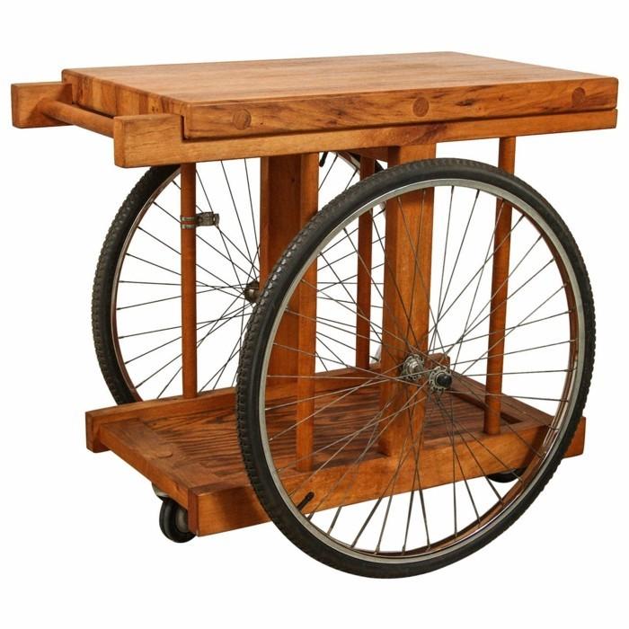 gartentisch aus holz und fahrradteilen