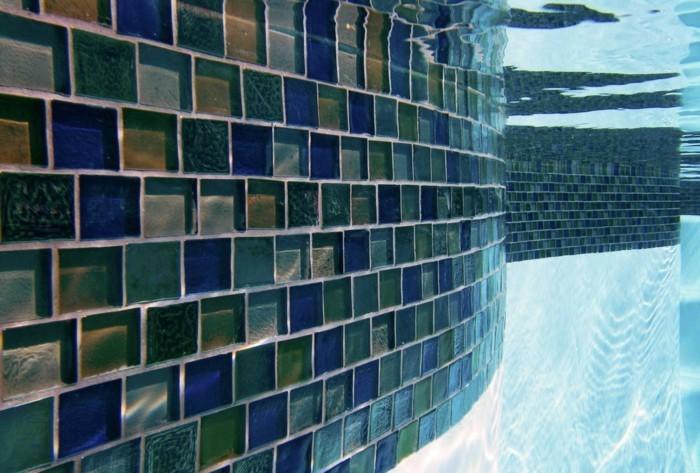 glasfliesen unter wasser
