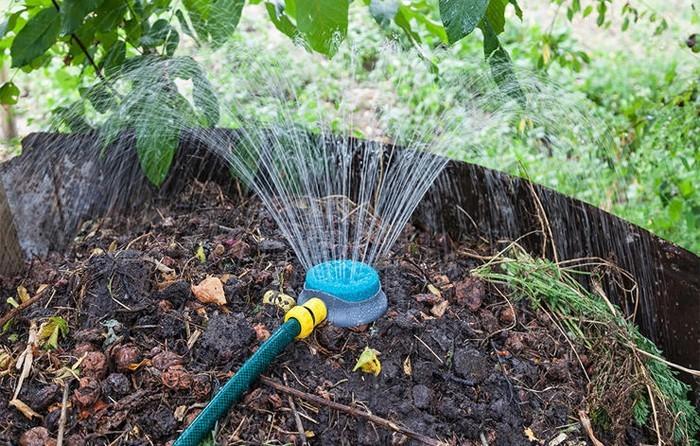 kompost anlegen feuchtigkeit
