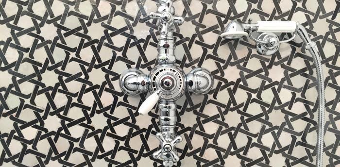 marokkanische fliesen zementfliesen interirdesign ideen wohnung design anders denken mosaik fliesen kreative wandgestaltung dusche