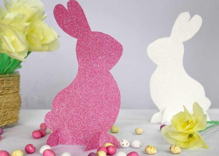 Tinker in time for Easter and create a unique decoration!