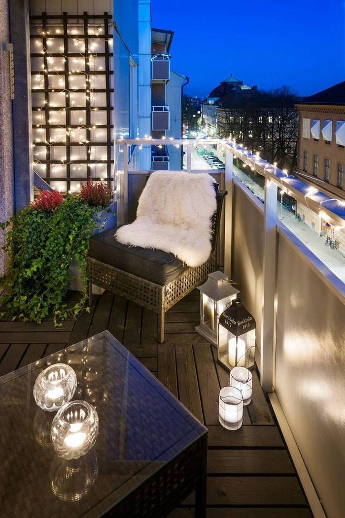 platzsparende moebel kleinen balkon gestalten abendromantik