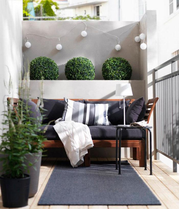 platzsparende moebel kleinen balkon gestalten kokettes mobiliar