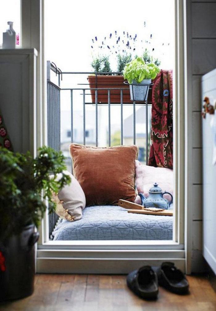 77 coole ideen f r platzsparende m bel womit sie kokett den kleinen balkon gestalten. Black Bedroom Furniture Sets. Home Design Ideas