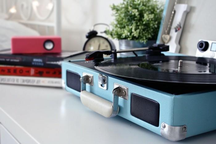 retro schalplattenspieler blau alarmuhr kräuter