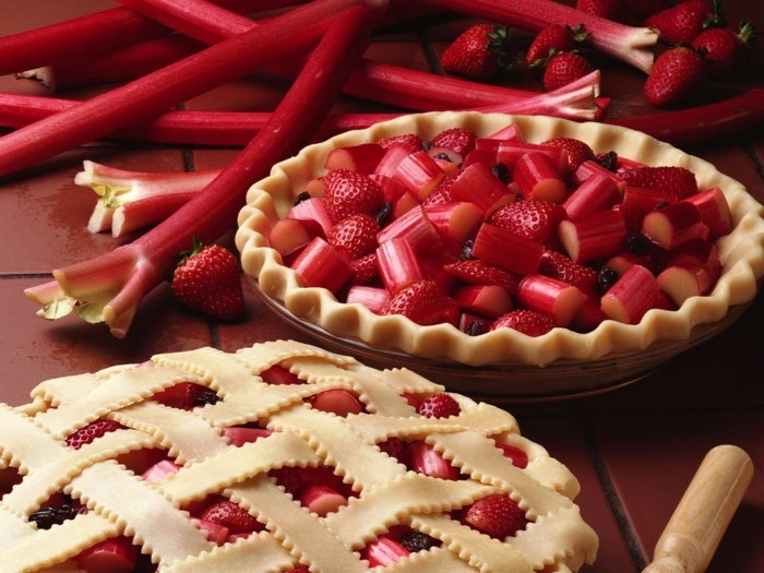 rhabarber in kombination mit erdbeeren