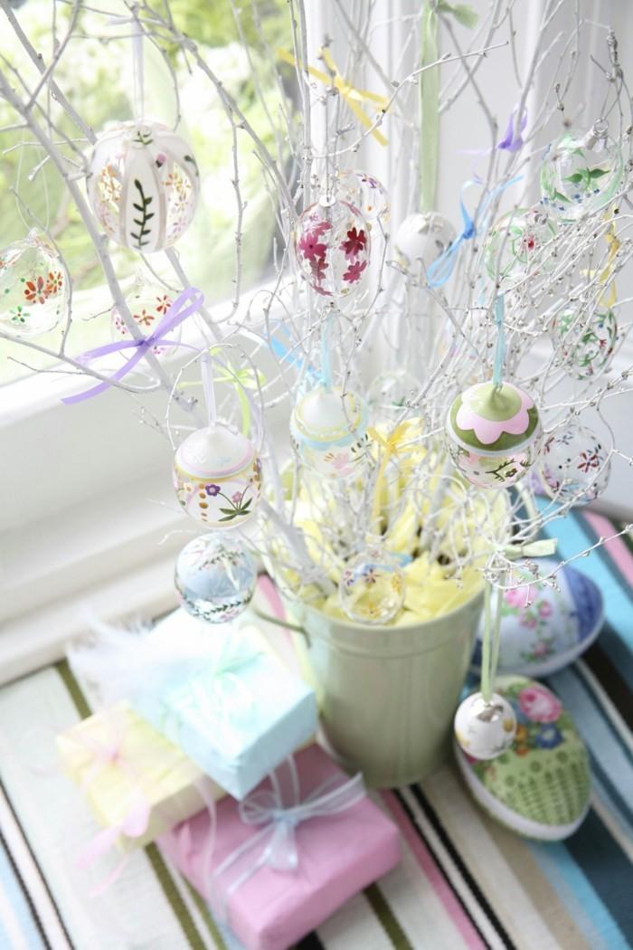 ostereierbaum mit baumanhaenger aus glas