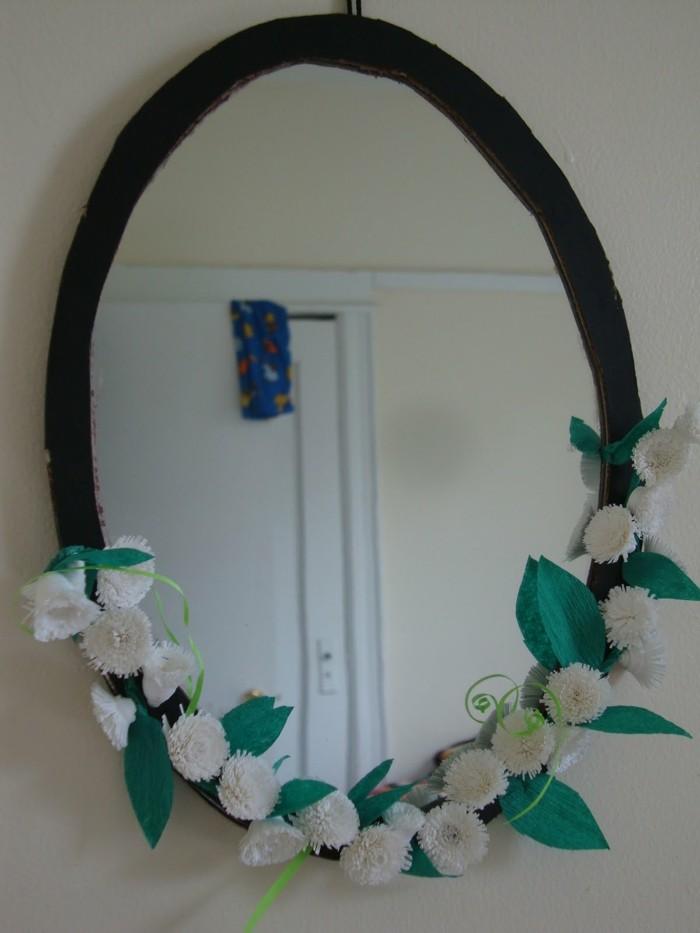 spiegel-verzieren-blumendeko-spiegelrahmen