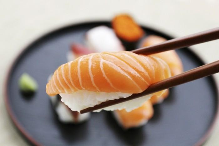 erfahren sie mehr ber die sushi herkunft und seine arten. Black Bedroom Furniture Sets. Home Design Ideas