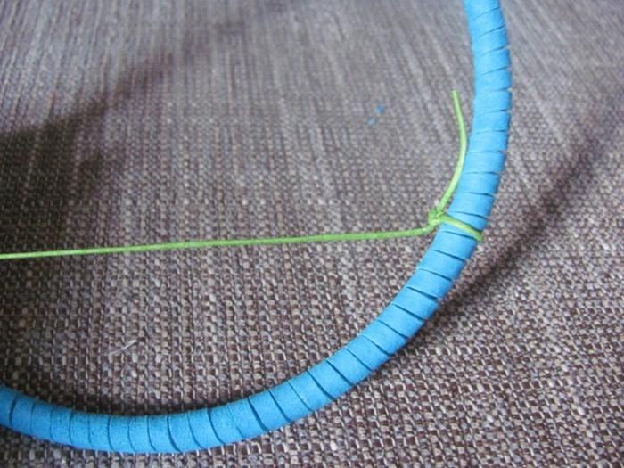traumfänger basteln mit naturematerialien mit leder umwickeln kleben zum aufhängen weben