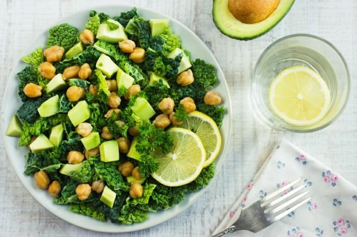 vegan abnehmen kopfsalat zitrone kichererbsen petersilie avocado