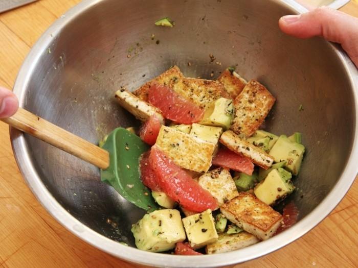 wie man tofu salat zubereitet
