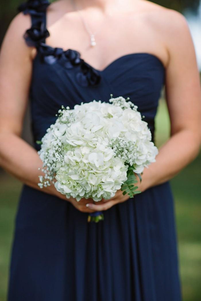 blumenstrauß vintage hortensien weiss