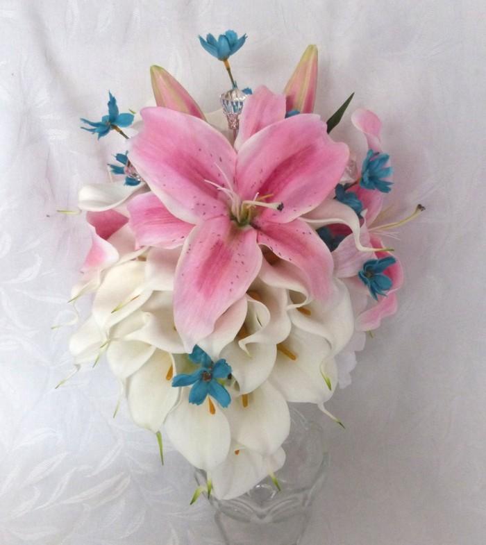 blumenstrauß vintage lilien