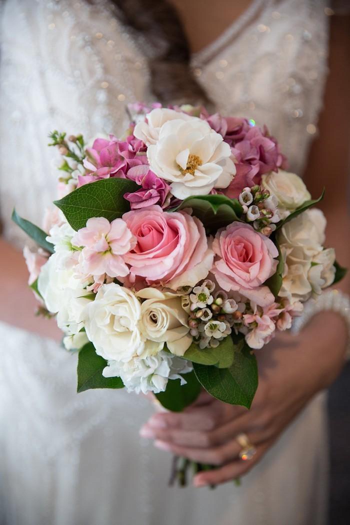 blumenstrauß vintage rosen