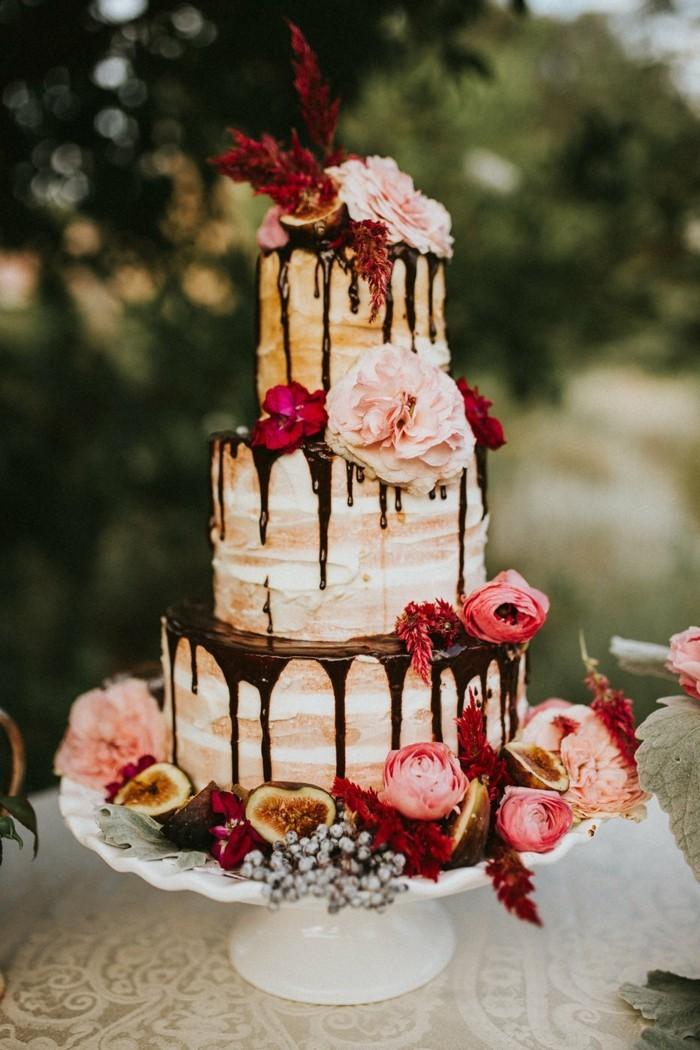 boho style hochzeitstorte semin naked cake drizzle feigen echte blumen