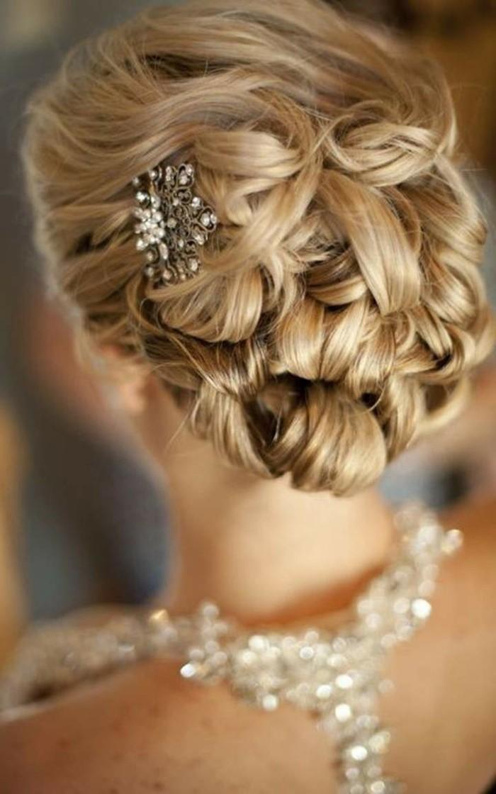 Brautfrisuren hochgesteckt schlicht  80 schöne Frisuren für die Hochzeit - die perfekte Brautfrisur für ...
