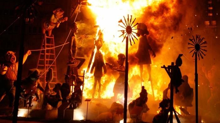 brennende figuren falles