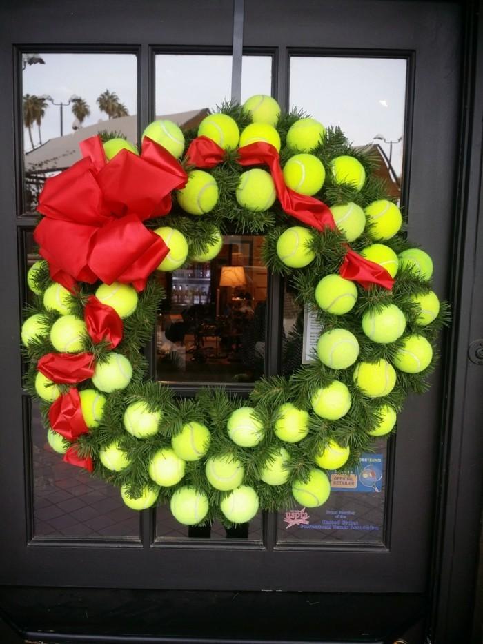 deko selber machen für weihnachten aus tennisbällen