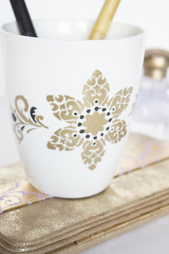 dekoration ideen fuer die weissen tassen