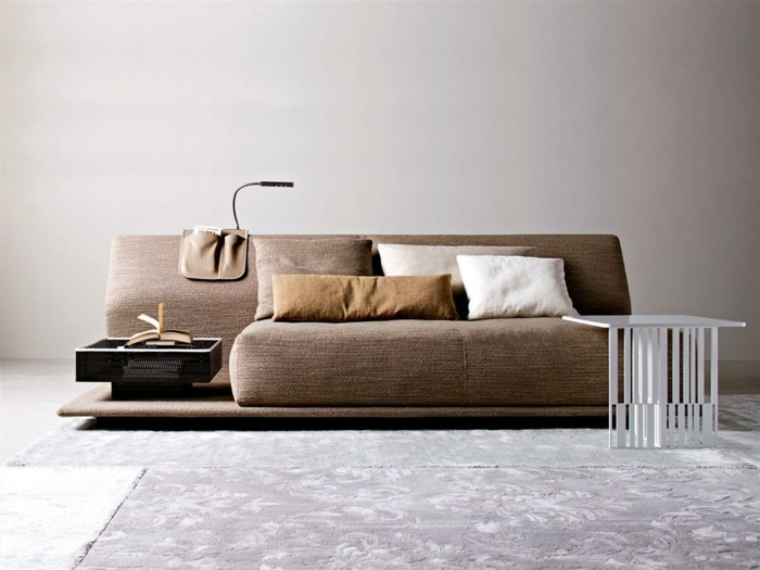 designer sofa braune kissen weiss cappuccino farbe