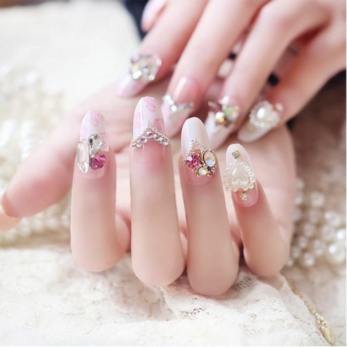 fingernägel hochzeit nageldesign ideen glitzersteine perlen