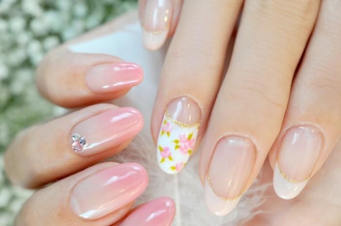 gelnägel elegnat nail art für hochzeit strasssteine blumen goldglitzer