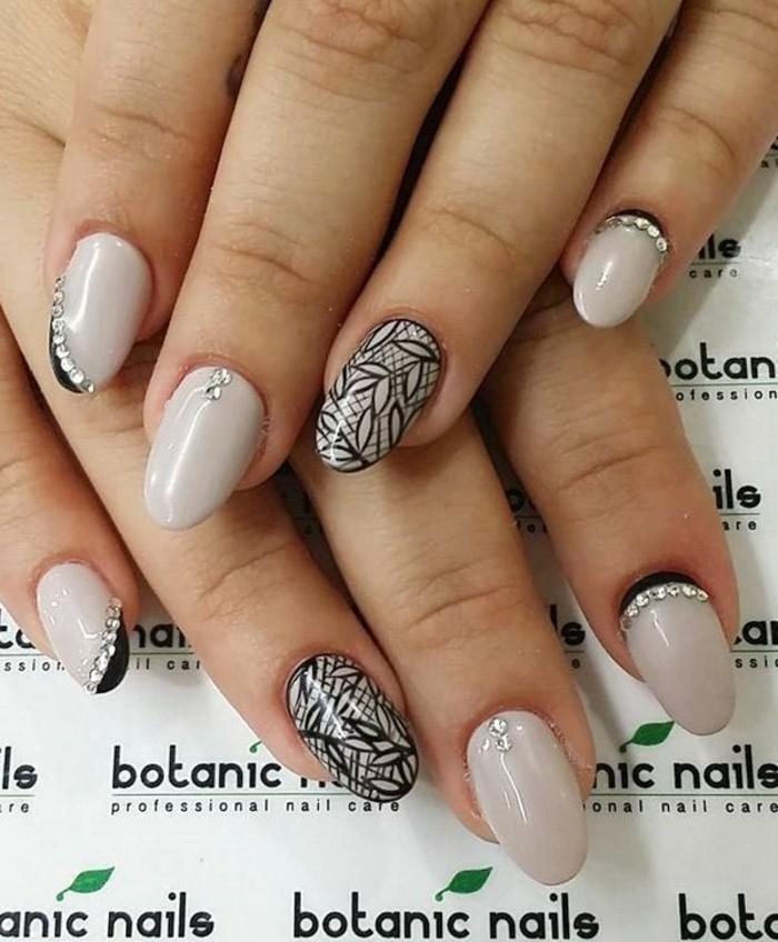 gelnägel hochzeit nageldesign nude nagellack strasssteine