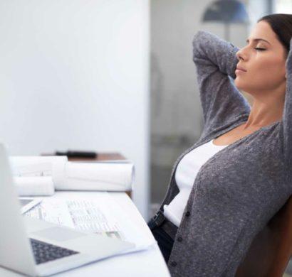 gesundes sitzen schonen sie ihren r cken mit diesen 5 einfachen tipps. Black Bedroom Furniture Sets. Home Design Ideas